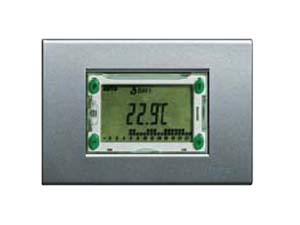 Термостат с таймером позволяют регулировать температуру в зависимости от времени суток, как летом так и зимой.